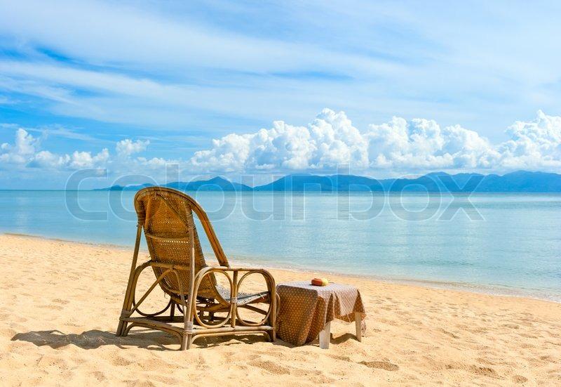 Stühle Am Strand In Der Nähe Mit Blick ...