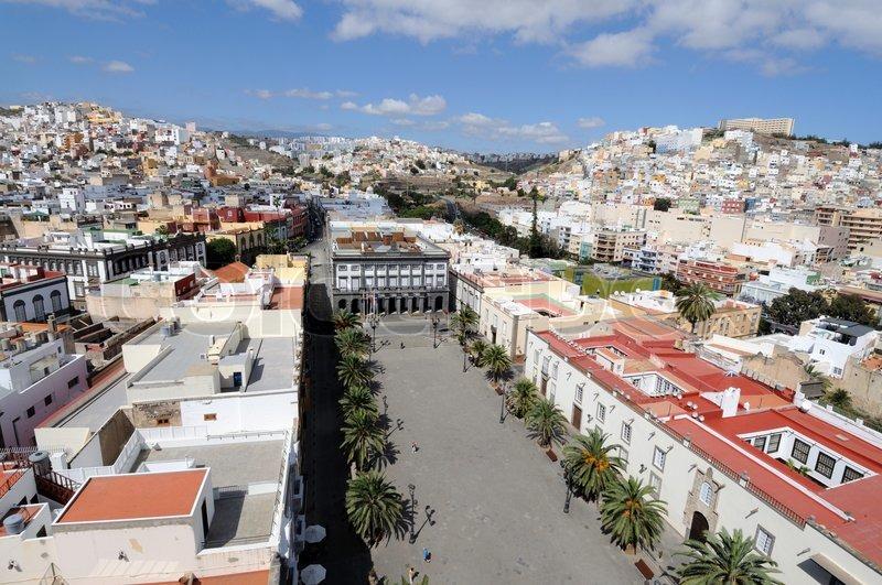 Blick ber die altstadt von las palmas stockfoto colourbox - Pisos com las palmas de gran canaria ...