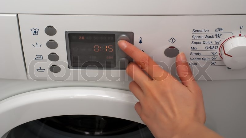 Washing Machine Controls : Adjusting wash temperature on the control panel of washing