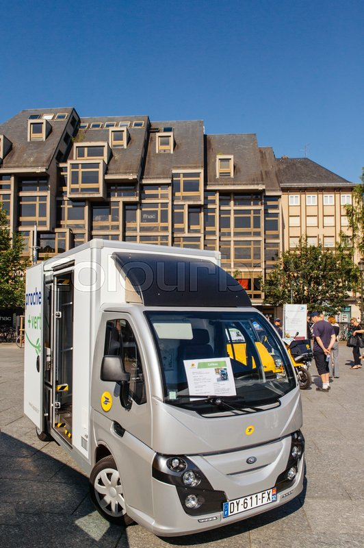 4a64374dc4 ... 2016  Groupe Univers VE electric vehicle COLIBUS for postal  distribution of parcels and letter in France by national postal carrier LA  ...