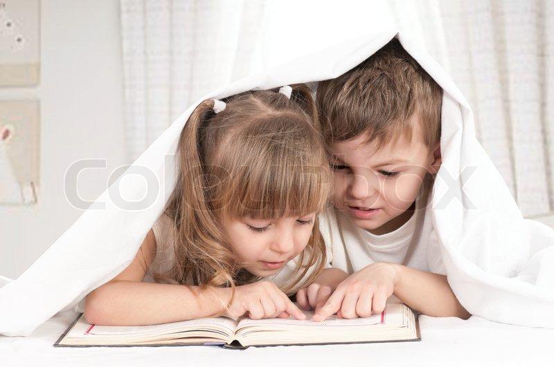 секс видео брат трахнуть спящего сестру
