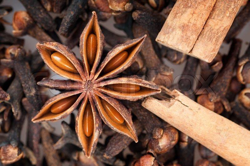 external image 2600102-the-spices-star-anise-cinnamon-cloves.jpg