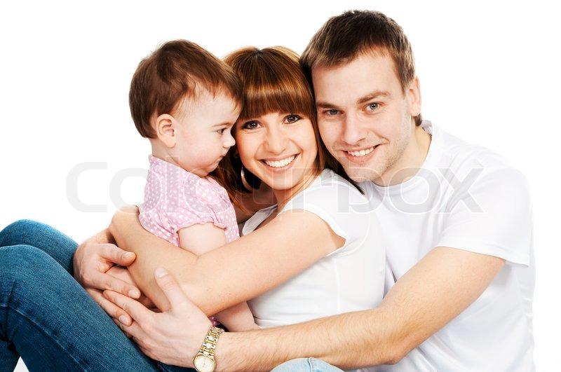 gl ckliche familie mit einem baby auf wei em hintergrund. Black Bedroom Furniture Sets. Home Design Ideas