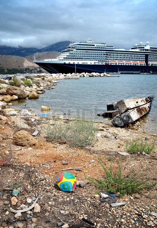 cruise ship tour guide jobs