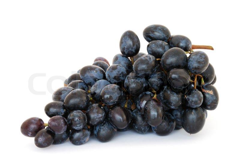 blaue trauben isoliert auf wei em hintergrund stock foto. Black Bedroom Furniture Sets. Home Design Ideas