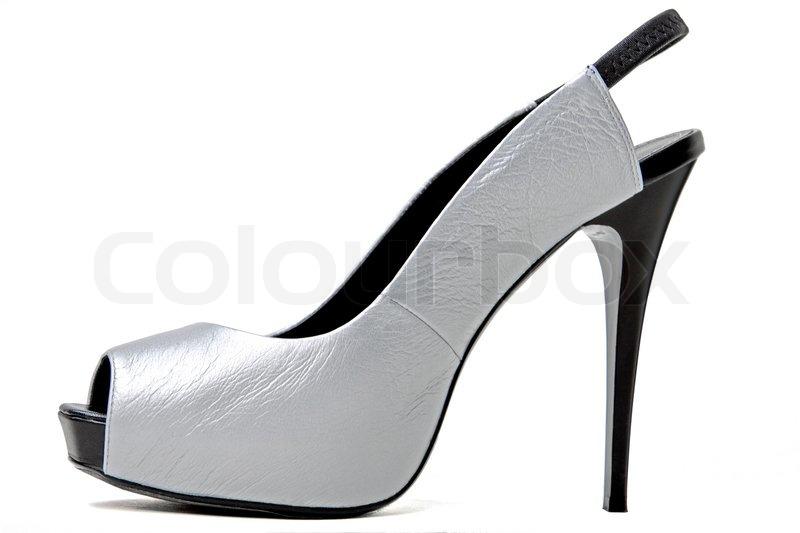 937e2d48451b Sølv sko isoleret på en hvid baggrund
