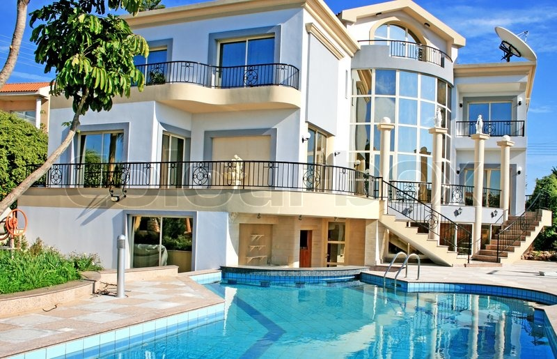 Luxurious Villa And Swimming Pool In Cyprus Stock Photo