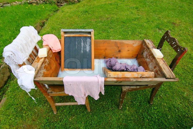 waschzuber waschbrett h nde waschen alte geschichte haushalt werkzeug holz ger te. Black Bedroom Furniture Sets. Home Design Ideas