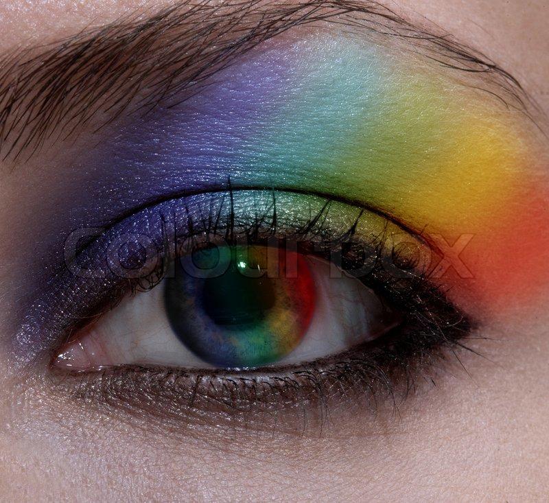 sch ne weibliche auge mit make up regenbogen stockfoto colourbox. Black Bedroom Furniture Sets. Home Design Ideas