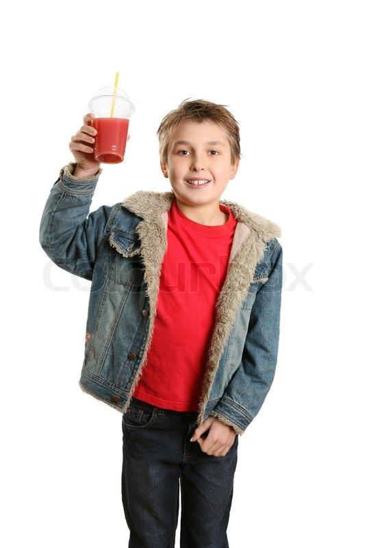 3b7d1f003c8 En dreng klædt i afslappet tøj har en ...   Stock foto   Colourbox