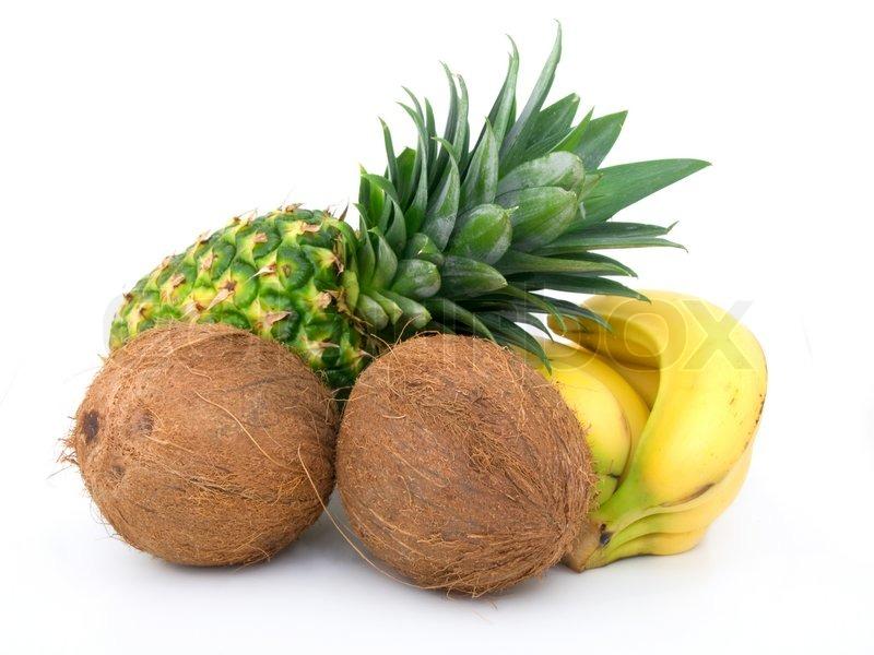 reife ananas b ndel bananen und kokosnuss auf einem. Black Bedroom Furniture Sets. Home Design Ideas