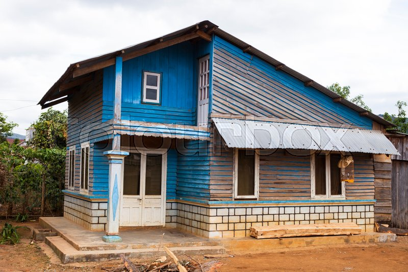 Stock image of 'Old poor blue house near Da Lat in Vietnam'