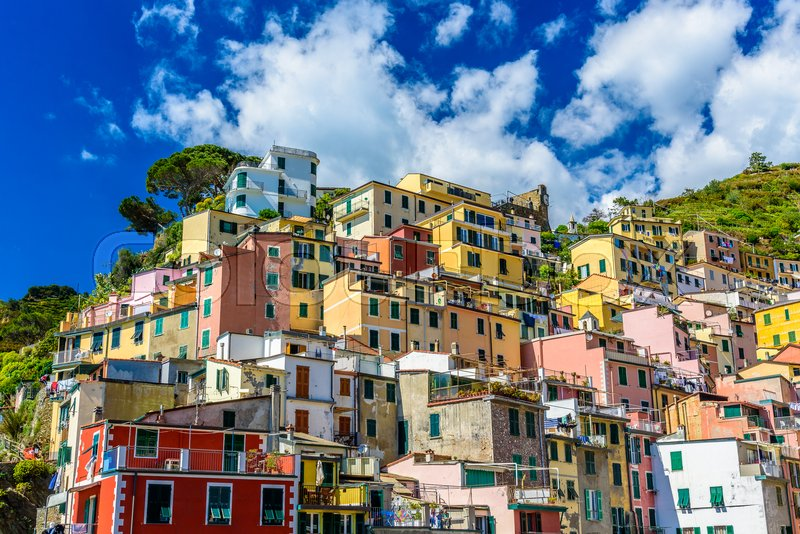 Stock image of 'RIOMAGGIORE, ITALY - APRIL 29, 2017 - View of the beautiful town of Riomaggiore in Liguria, inside the famous Cinque Terre National Park'