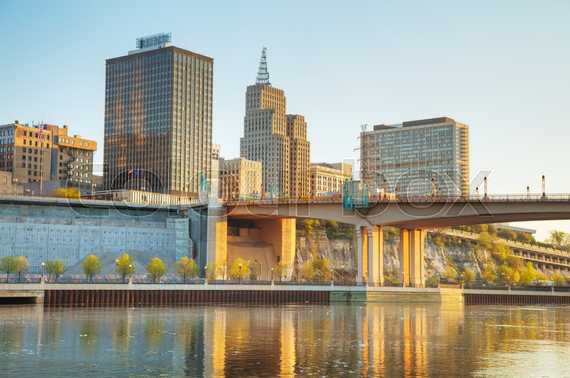 Stock image of 'Overview of downtown St. Paul, MN at sunrise'
