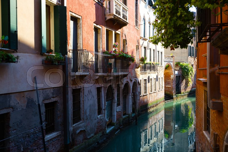 Stock image of 'ancient streets and canals of Venice Italy '