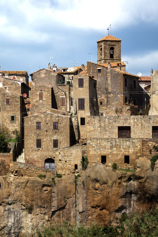 Stock image of 'view of famous italian town Pitigliano from the viewpoint '