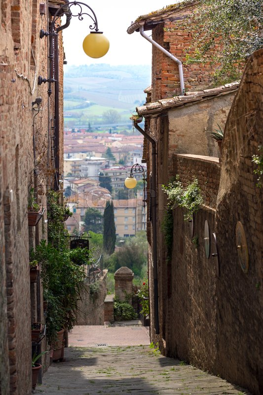 Stock image of 'View of the streets in the old  famous city of Certaldo. Tuscany, Italy '