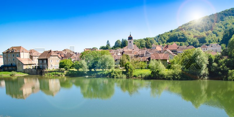 Stock image of 'old town in France on a sunny day'
