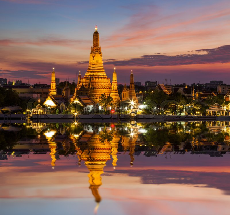 Stock image of 'Temple of Dawn, Wat Arun, Bangkok, Thailand'