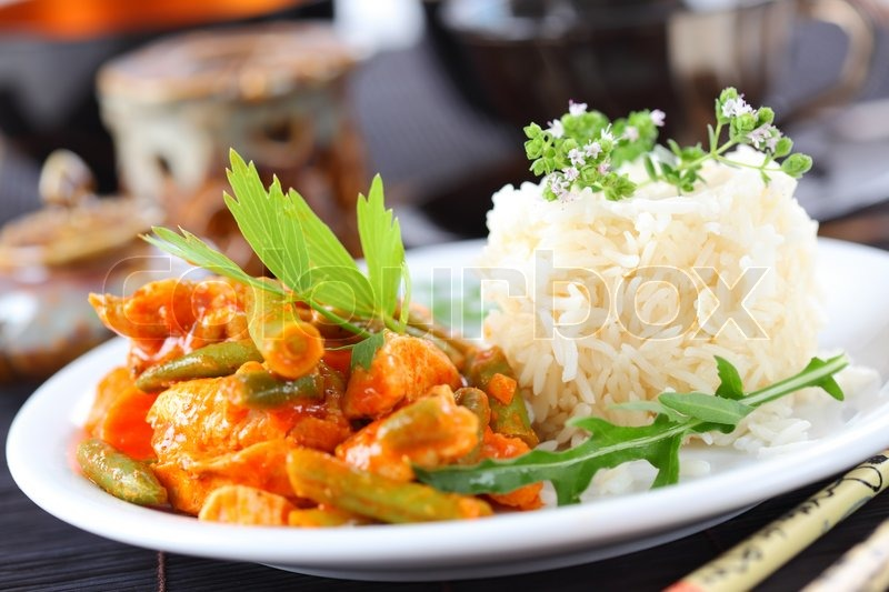 Red chicken curry stripes with rice and vegetable stock for Aroma thai cuisine