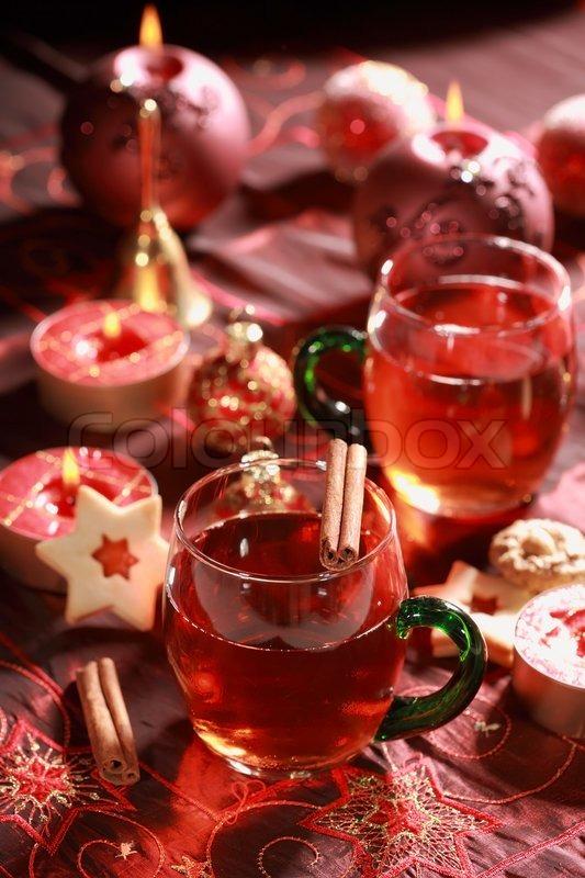 hot drink zu weihnachten mit leckerem geb ck stockfoto. Black Bedroom Furniture Sets. Home Design Ideas