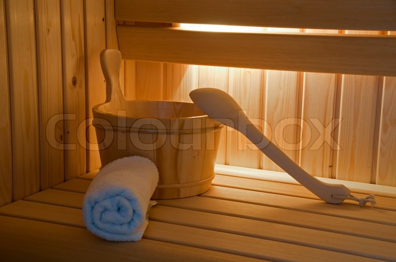 sauna inneneinrichtung mit lichtern eimer und handtuch stockfoto colourbox. Black Bedroom Furniture Sets. Home Design Ideas