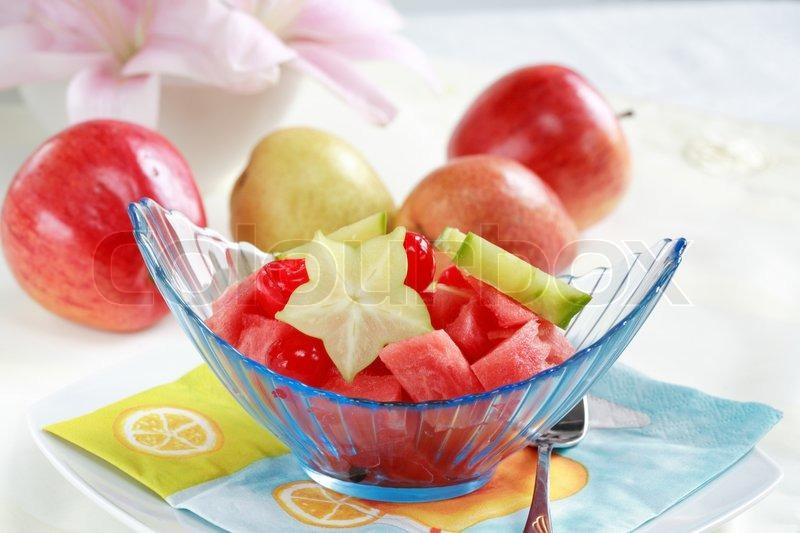 Lys frugt dessert til varm sommer med lavt kalorieindhold   Stock Billede   Colourbox