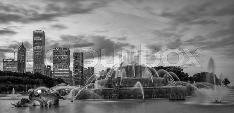 Buckingham fountain in Grant Park, Chicago, USA, stock photo