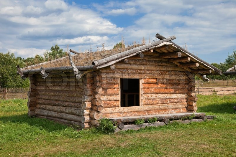 Ancient traditional russian wooden house x century stock for Casa tradizionale russa