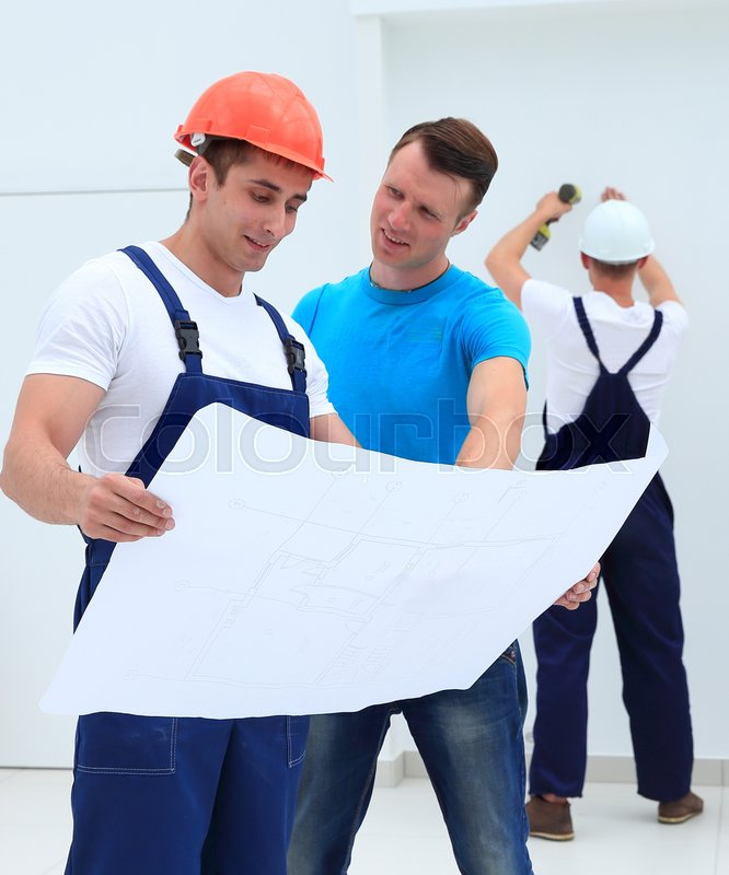 Foreman Builders Mail: Foreman And Architect Discussing ...