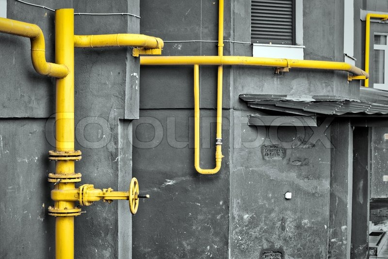 Yellow gas pipe at the residential house stock photo colourbox - Tubo gas esterno ...