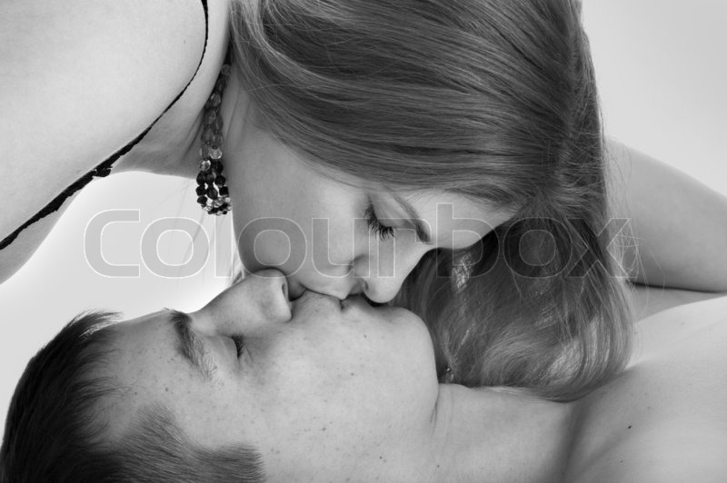 Pics of love couples kissing