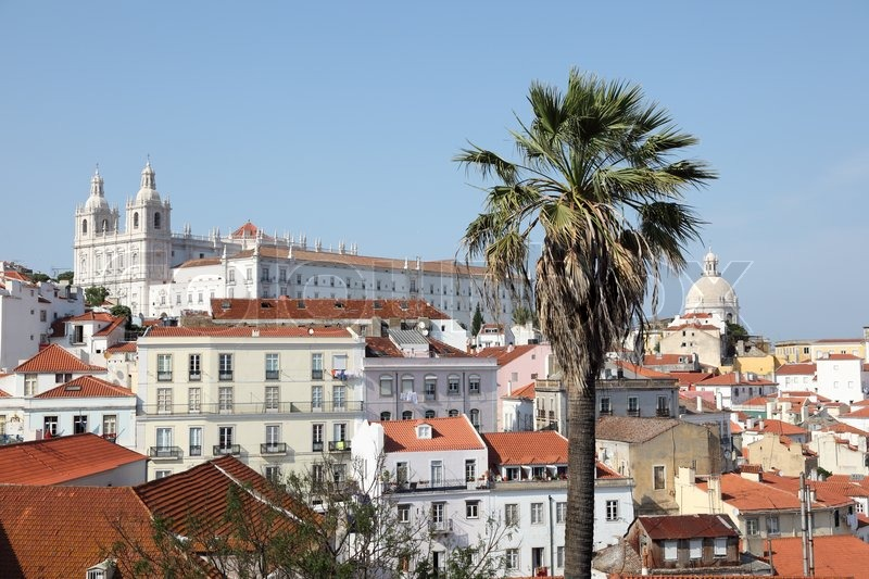 alfama die altstadt von lissabon portugal stock foto. Black Bedroom Furniture Sets. Home Design Ideas