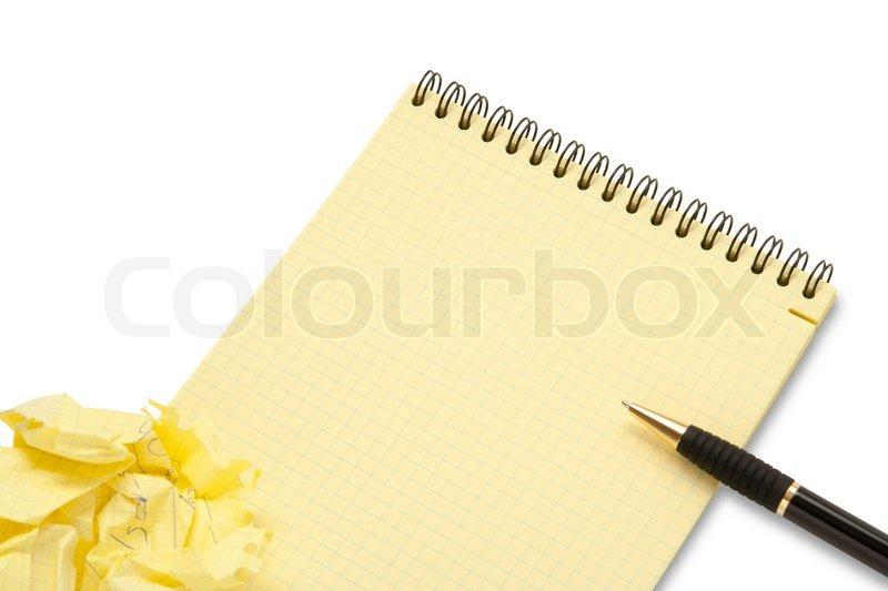 notebook und zerknittertes papier wad mit stift auf wei em hintergrund stockfoto colourbox. Black Bedroom Furniture Sets. Home Design Ideas