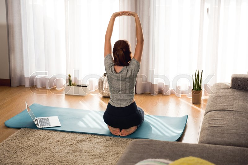 stock bild von zuhause fitnessstudio lifestyle