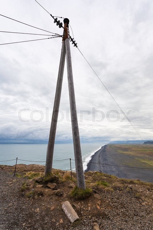 Travel to Iceland - electric wire post on Dyrholaey peninsula near ...