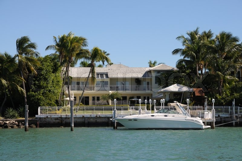 Luxury house waterside at star island miami beach for Star island miami houses