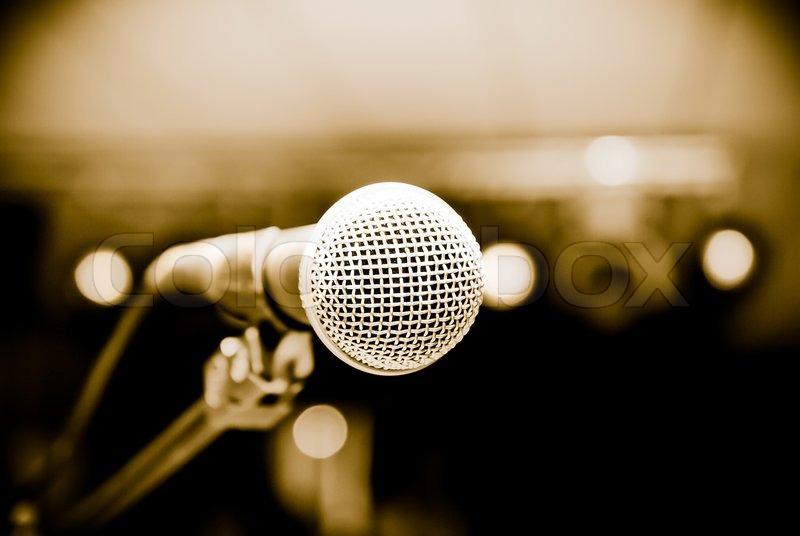 Microphone in studio on a blur - 53.1KB