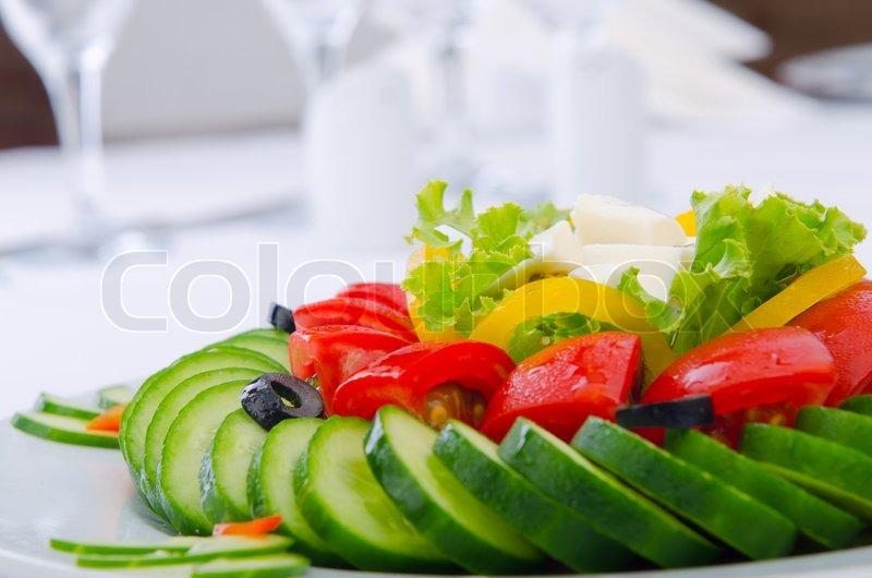 gurken und tomaten salat in der platte stockfoto colourbox. Black Bedroom Furniture Sets. Home Design Ideas