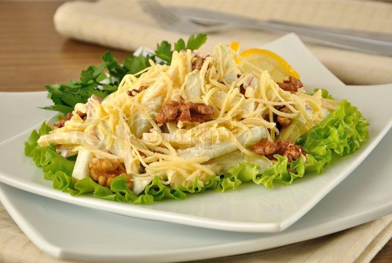 Курица сыр яблоко салат