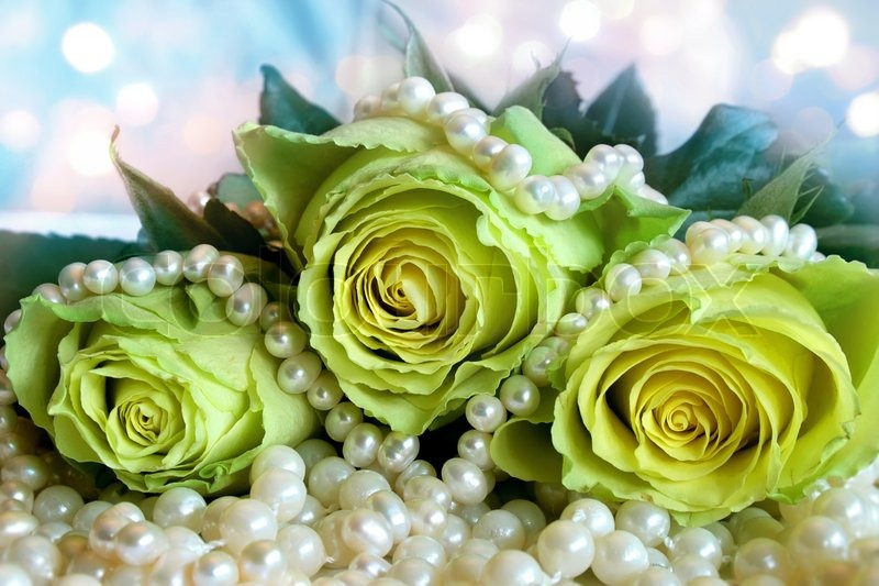 Bouquet Of White Roses Lying On The Pearl Stock Photo