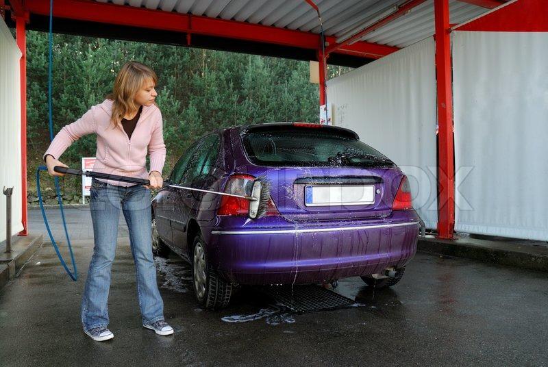 Frau Auto Waschen