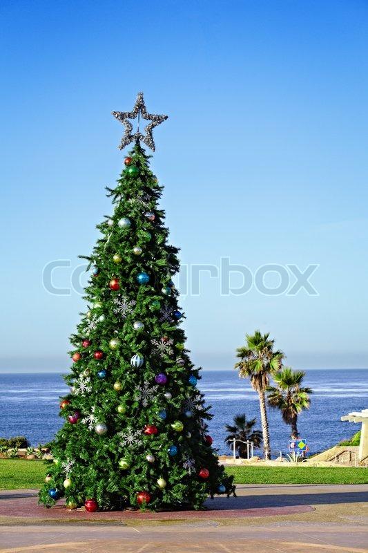 Holiday Christmas Tree Decorating A California Travel And Vacation ...