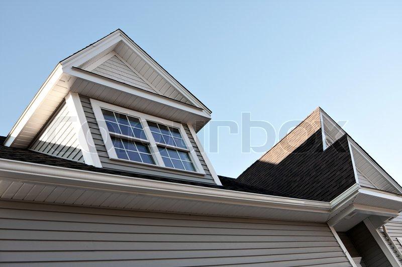 nahaufnahme eines neu gebauten haus dach untersicht und gauben stockfoto colourbox. Black Bedroom Furniture Sets. Home Design Ideas
