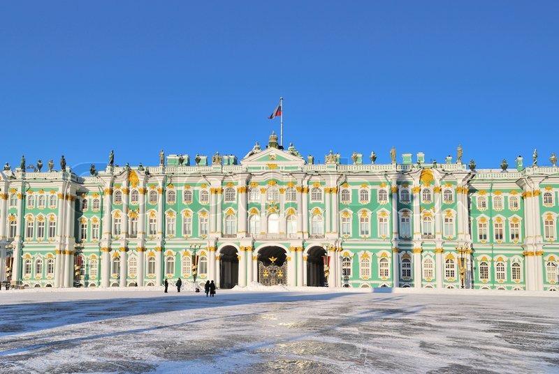 Vinterpaladset I En Solrig Vinterdag Stock Foto Colourbox