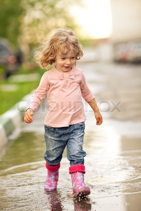 Child Walking | www.pixshark.com - Images Galleries With A ...