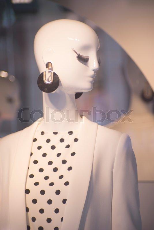 836e2114ddf Womenswear fashion shop window ladies ...