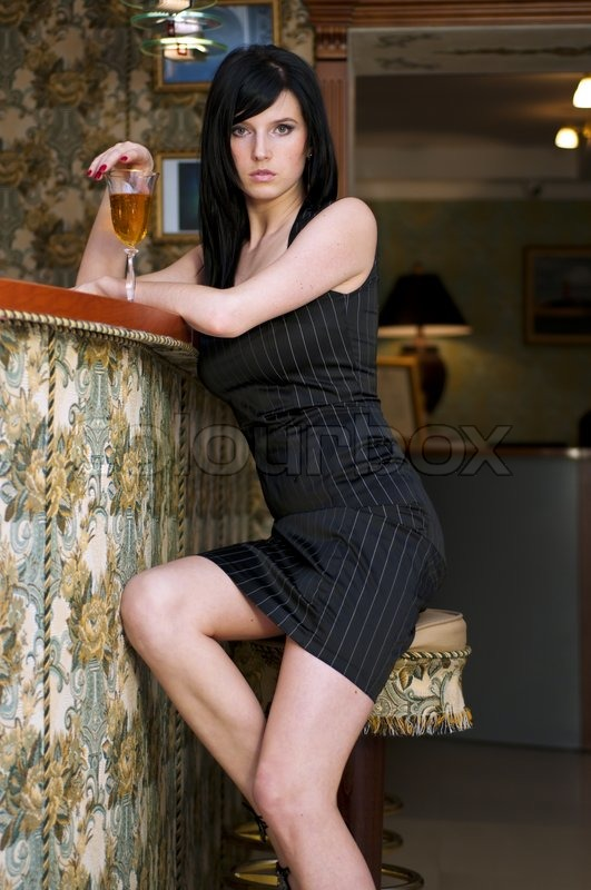 Portrait Of The Beautiful Woman Shу Is Sitting At The Bar -3477