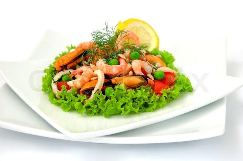 Салат из креветок с овощами с