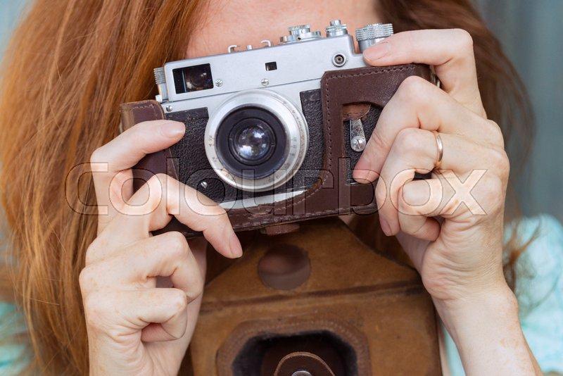 Смотреть казахстан снимал свою девушку в камеру теток без трусов